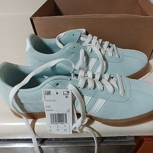 Adidas Courtset women's 9.5 mint green.
